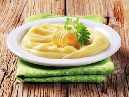 Картофено пюре с прясно мляко и краве масло - снимка на рецептата